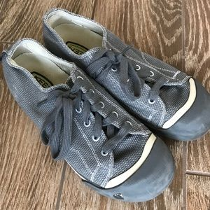 Keen gray shoes kids size 5